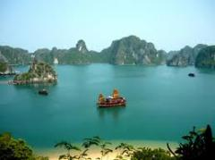 Ha Long Bay – Overnight on Junk tour