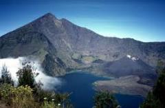 Wonder of Mount Rinjani Trekking Tour